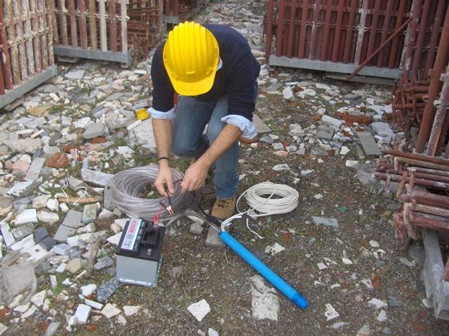 Prelievo campioni d 39 acqua e di terreno for Utensili per prelevare campioni di terreno